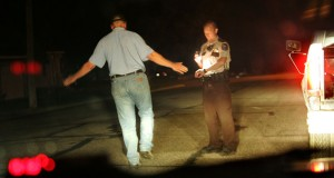 A Martin County deputy administers a sobriety test to driver in Trimont, Minnesota. (AP file photo)