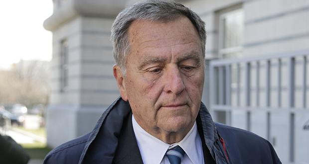 David Samson, former chairman of the Port Authority of New York and New Jersey, arrives at the courthouse in Newark, New Jersey, on Monday. (AP photo)