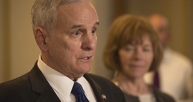 Gov. Mark Dayton speaks with journalists May 17 about the status of the legislative session. (Staff photo: Kevin Featherly)