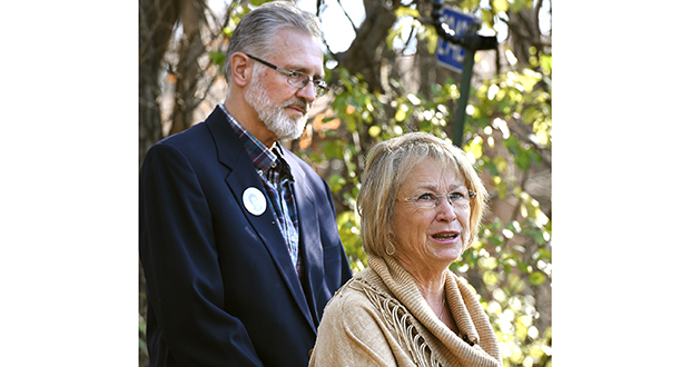 Patty and Jerry Wetterling speak to reporters Nov. 3, 2015, at their home in St. Joseph, Minnesota. The couple are suing to block the release of the voluminous investigative file into the 1989 kidnapping and murder of their son Jacob. (AP file photo: St. Cloud Times)
