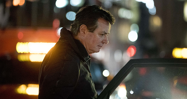 Paul Manafort, President Donald Trump's former campaign chairman, gets into a taxi Dec. 26 after arriving at Union Station in Washington. (AP photo: Andrew Harnik)