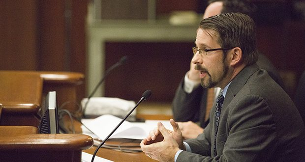 Public Record Media Executive Director Matt Ehling testifies Oct. 31, 2017 before the Legislative Commission on Data Practices. (Staff photo: Kevin Featherly)
