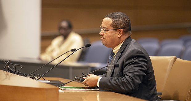 Attorney General Keith Ellison makes his first committee appearance before the Senate State Government Finance and Policy and Elections Committee on Jan. 17, 2019. (Staff photo: Kevin Featherly)