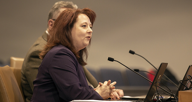 State Auditor Julie Blaha speaks to the Senate State Government Finance and Policy and Elections Committee on Jan. 17. (Staff photo: Kevin Featherly)