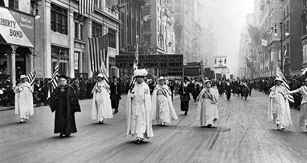 supporters in a women's suffrage march in 1915